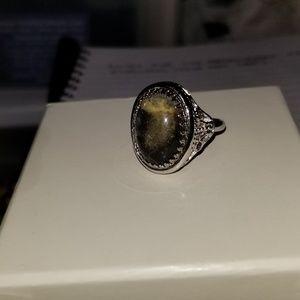 Jewelry - Vintage Look Ring